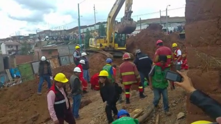 Cinco obreros quedaron sepultados en una zanja de siete metros