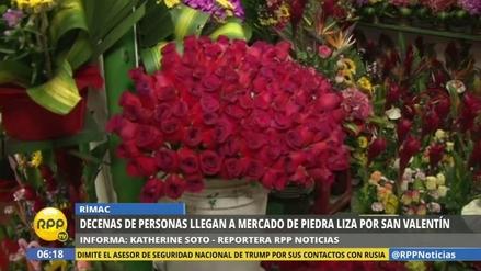 Muchos enamorados madrugaron para comprar flores por San Valentín