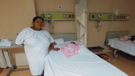 Madre agradeció a policías que la auxiliaron para traer al mundo a su bebé