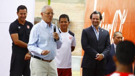 Pedro Pablo Kuczynski dispuesto a combatir la violencia en los estadios