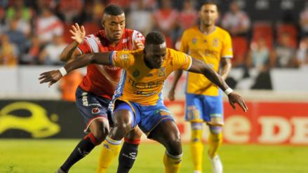 Luis Advíncula debutó en triunfo de Tigres ante Veracruz en la Liga Mexicana