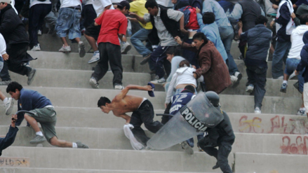 Así de Claro: ¿Funciona la ley contra la violencia en los estadios?