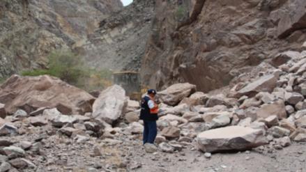 Matucana: dos muertos dejó deslizamiento de rocas en la Carretera Central