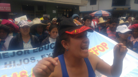 Cajamarca: con un plantón padres exigieron devolución de ambientes