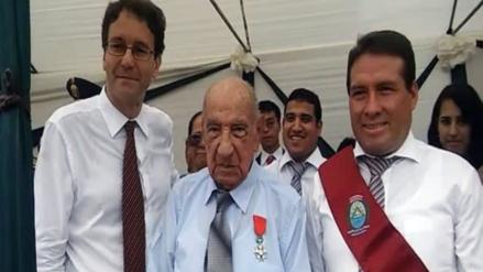 Francia condecoró a un peruano que peleó en II Guerra Mundial