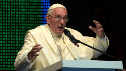 Papa Francisco critica la