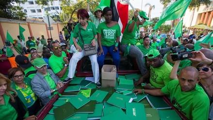 Dominicanos marchan por una investigación imparcial en caso Odebrecht