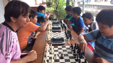 Iquitos: impulsan enseñanza de ajedrez en niños y jóvenes