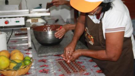 Saposoa: excocaleras se abocan a negocio del chocolate