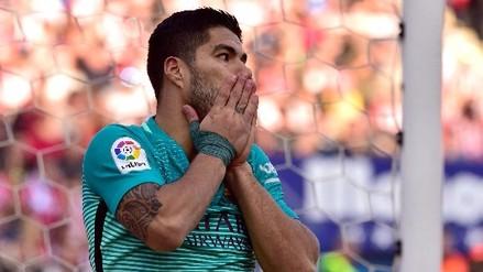 Luis Suárez falló una clara ocasión de gol frente al arquero