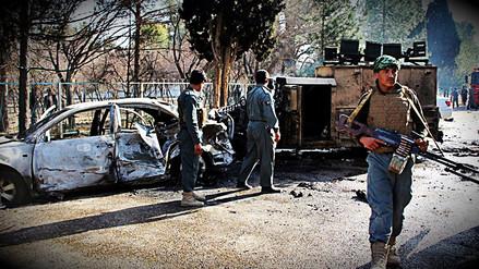 Talibán infiltrado en la Policía afgana asesinó a 12 de sus compañeros