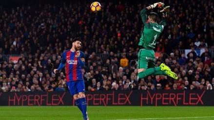 La sutil definición de cabeza de Lionel Messi para el gol de Barcelona