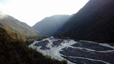 Familias damnificadas por desborde del río Cachi