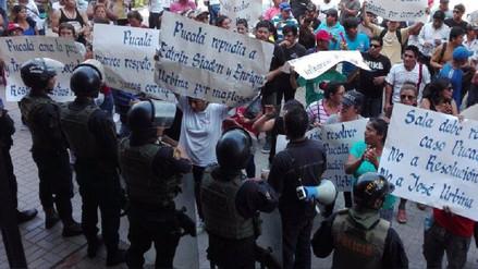 Pucaléños protestan contra presunta manipulación de proceso judicial