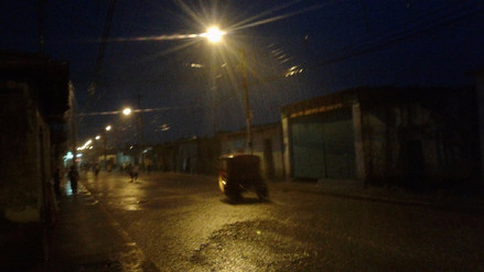 Bloques de calle se levantan tras torrencial lluvia en Pátapo