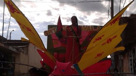 Illimanos culminan con vistoso corso su carnaval tradicional y moderno