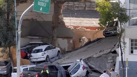 Argentina: Concesionaria de autos se derrumba y dos personas salvan de morir
