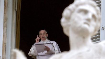 El papa abre la posibilidad de permitir el servicio a la iglesia de hombres casados