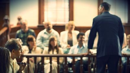 A un abogado se le queman los pantalones durante juicio a pirómano