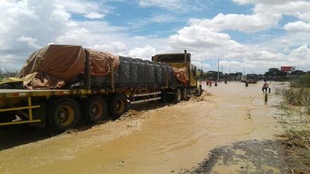 Anuncian llegada de maquinaria para atender emergencia por lluvias en Piura