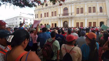 Chiclayo: obreros protestan exigiendo implementos para labores de limpieza