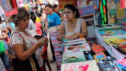 Chiclayo: masiva compra de útiles y uniformes a pocos días del inicio de clases