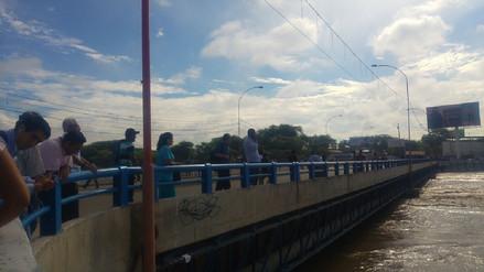 Pase restringido en los puentes de Piura ante el incremento del caudal