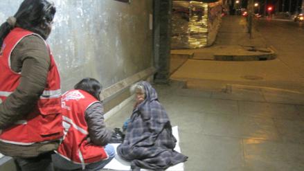 Denuncian a seis hijas por abandonar a su madre en la calle