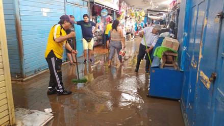 Mercado Modelo quedó inundado tras lluvia que se registró en Chiclayo