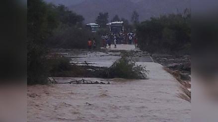 Virú: incrementa caudal de río y tránsito es interrumpido por desborde