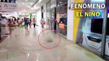 Centro comercial de Piura se inunda tras colapso de tuberías
