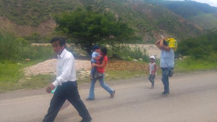 Transportistas aprovechan bloqueo de vías para subir costo de pasajes