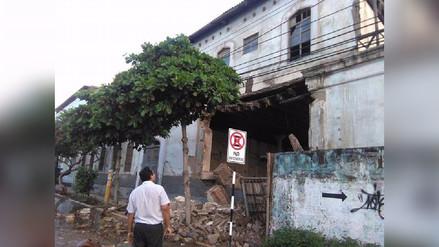 Cae pared de colegio Labarthe tras lluvia en Chiclayo