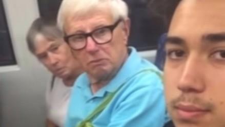 Tocó piernas de extraños en el tren y publicó sus reacciones en Youtube