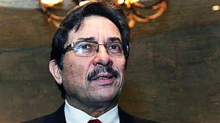 Enrique Cornejo presentó su renuncia al Partido Aprista Peruano