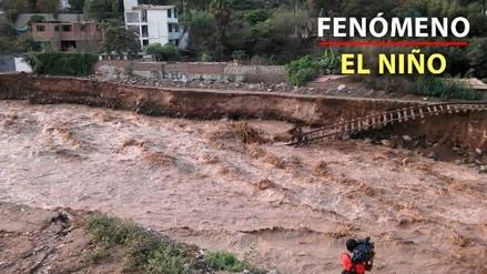 Parte de la vía férrea de Chaclacayo se desplomó por la crecida del río Rímac