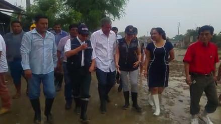 Vicepresidenta y ministro de Vivienda realizan inspección en Piura