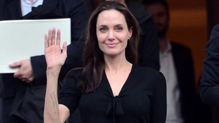 Critican a Angelina Jolie por no usar prenda íntima