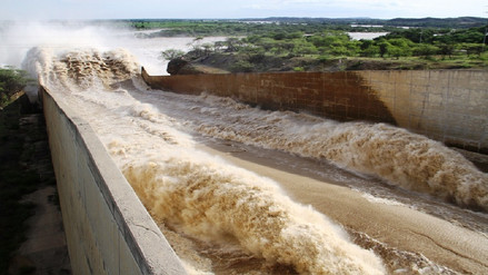 Piura: nueve caseríos aislados tras incremento de quebrada en Las Lomas