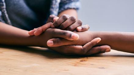 La empatía es el sentimiento que nos mueve a ayudar a otros
