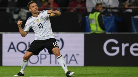 Alemania ganó 1-0 a Inglaterra con un gol de Podolski que se retiró
