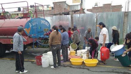 Lluvia impide culminar trabajos para reponer servicio de agua potable