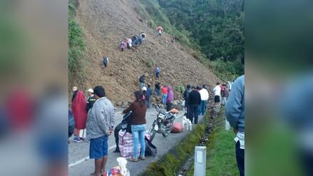 Vía Huánuco - Tingo María obstruida por caída de huaicos