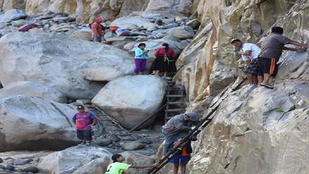 Profesores y pobladores arriesgan su vida para llegar a Incahuasi