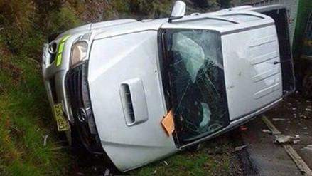 Dos heridos dejó choque frontal de vehículos en vía Puno – Juliaca