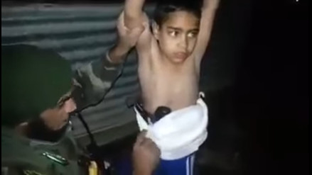Militares desactivan la bomba que un niño iraquí llevaba consigo