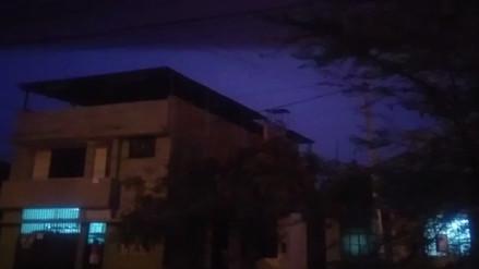 Intensa lluvia con truenos y relámpagos se presenta en Piura