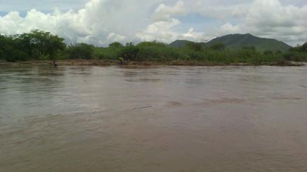 Chulucanas: rescatan a prefecto de Piura tras ser arrastrado por quebrada