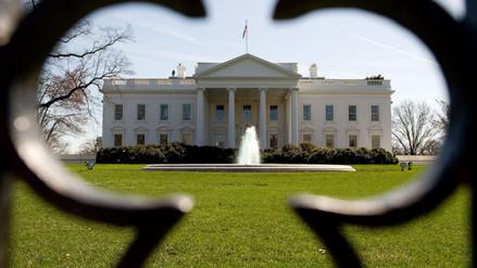 Detuvieron por tercera vez a mujer que intentó saltar reja de la Casa Blanca