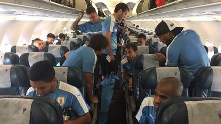 La Selección Uruguaya llegó a Lima con Luis Suárez y Edinson Cavani